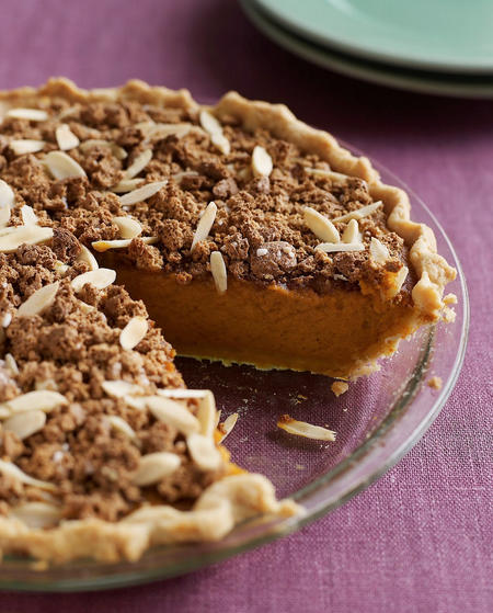 amaretto_almond_crunch_pumpkin_pie